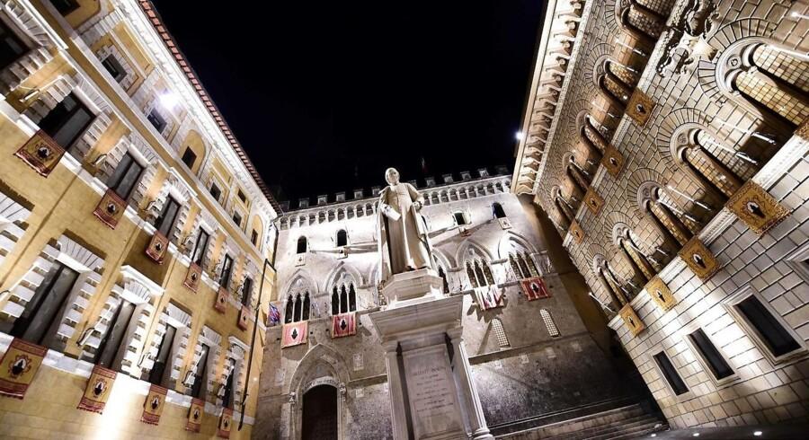 De største børsfald i den italienske banksektor findes hos Banca Monte dei Paschi di Siena, der falder 5,8 pct. tirsdag eftermiddag.