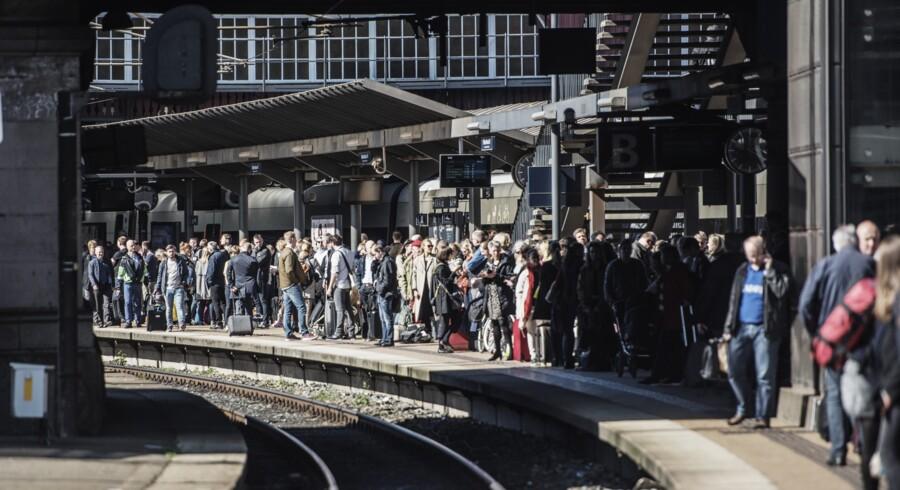 DSB regner ikke med, at det vil betyde flere togforsinkelser, at implementeringen af Banedanmarks nye signalprogram bliver forsinket i to år. Scanpix/Ólafur Steinar Gestsson