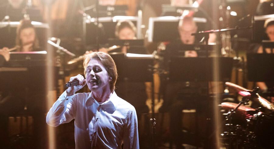 Mew i Konservatoriets Koncertsal torsdag d. 9. februar. Rockbandet Mew møder Copenhagen Phil til en unik times fælleskoncert, hvor rockorkesterets sange får symfonisk back-up af Københavns symfoniorkester