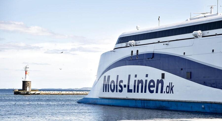 Mols Linien. Mols-linien færge afgang og ankomst fra Aarhus Havn.