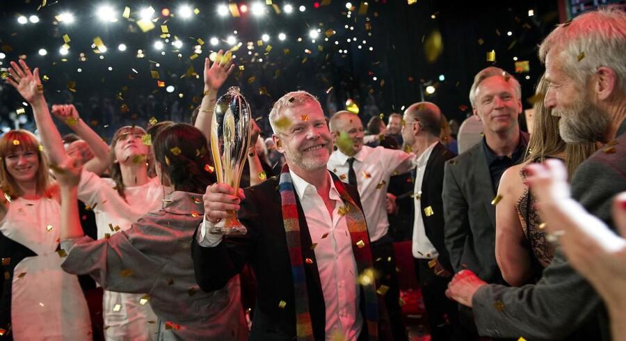 Årets Reumert 2015 uddeles Skuespilhuset. Aalborg Teater med Morten Kirskov i spidsen, vinder årets forestilling.