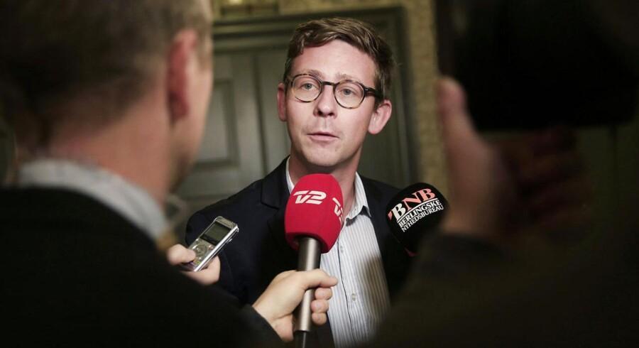 Venstres Karsten Lauritzen er sammen med socialdemokraten Trine Bramsen blevet meldt til politiet for udtalelser i terrorsagen mod Sam Mansour.