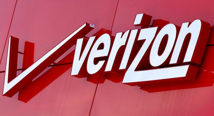 I sidste uge overtog Verizon Yahoos kerneforretning for 32,7 mia. kr. Og nu smider den amerikanske telegigant 2,4 mia. dollar, svarende til knap 16 mia. kr., efter den irskbaserede udvikler af mobilsoftware, Fleetmatics. Det skriver Bloomberg News.