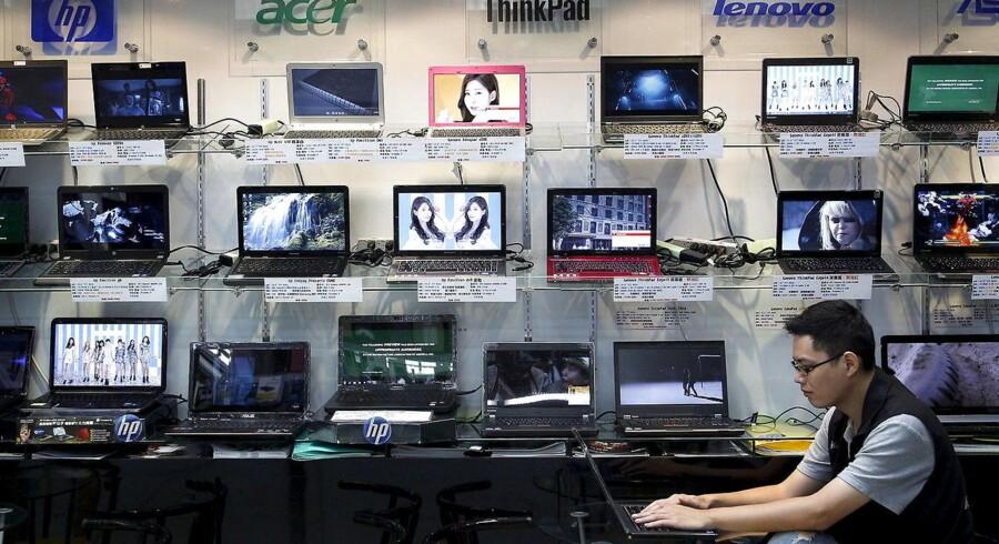 Salget af stationære og bærbare PCer er fortsat på retur verden over. Arkivfoto: Pichu Chuang, Reuters/Scanpix