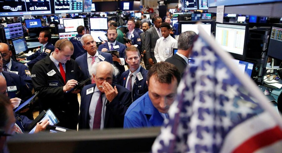 Arkivfoto. Det amerikanske præsidentvalg stjæler overskrifterne på aktiemarkedet tirsdag, men da afgørelsen først falder natten til onsdag, kan investorerne bruge ventetiden på at læse regnskaber fra blandt andet Vestas og Dong.