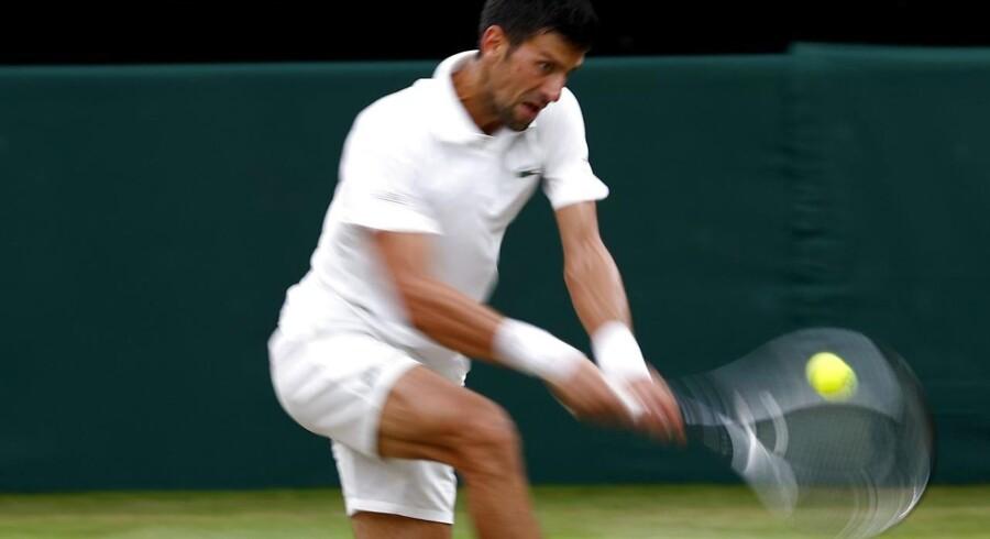 Arkivfoto. Novak Djokovic er færdig i Wimbledon, efter at serberne måtte trække sig i kvartfinalen mod Tomas Berdych.