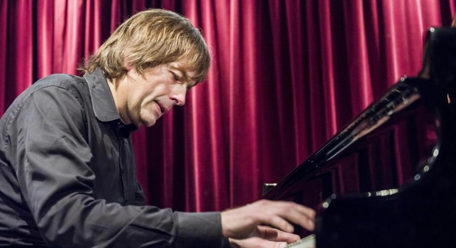 Jazzhus Montmartres nye musikchef, den svenske pianist Jan Lundgren, ved tangenterne torsdag aften. Foto: Torben Christensen