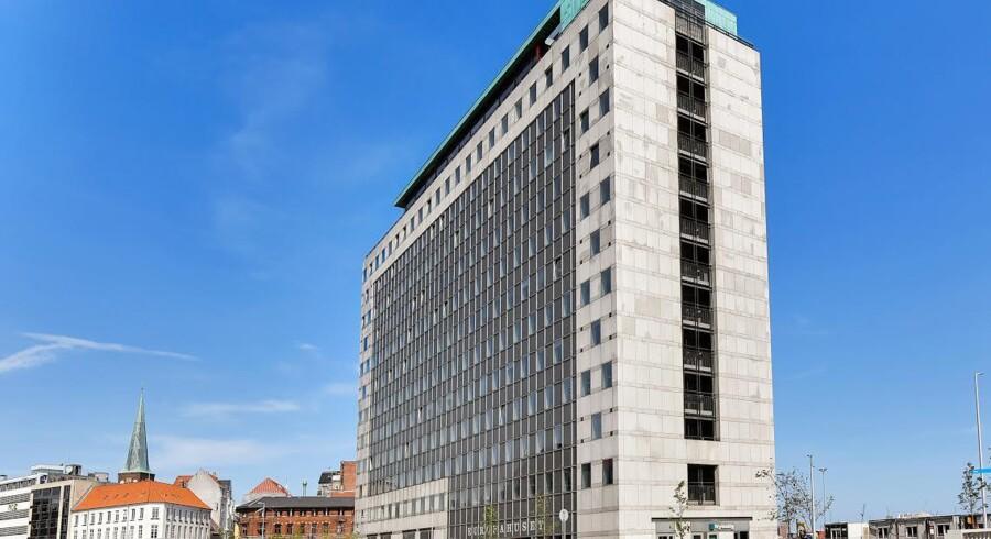 Standard Life-finanskoncernen med skotske rødder har netop købt Europahuset i Aarhus for næsten en kvart milliard kroner.