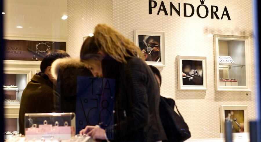 Pandora-aktien dykker 3,6 pct. til 863,50 kr., og det betyder, at smykkeselskabet nu ikke har givet et positivt afkast i 2016.