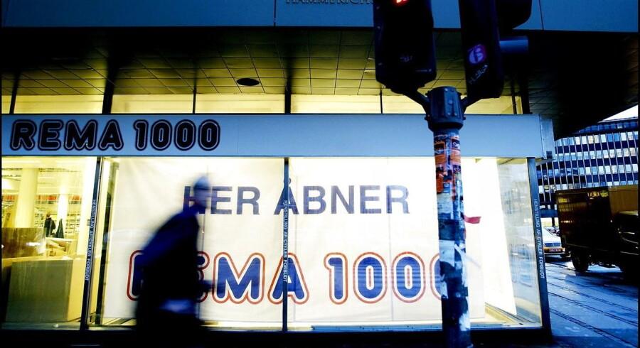 Discountkrigen raser landet over. Rema 1000 er en af de aktører, der har allerstørst armbevægelser.