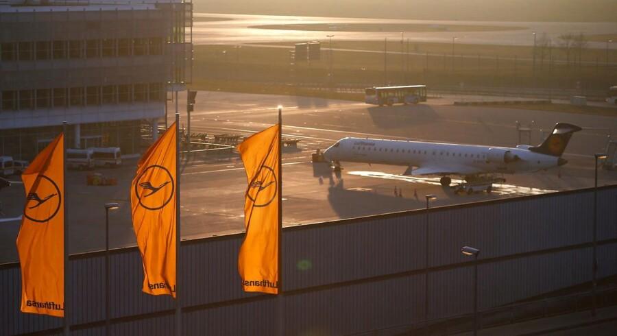 Lufthansa har formået at øge den samlede omsætning og skære drastisk ned på omkostningerne, hvilket kan mærkes særdeles positivt på den bundlinje, selskabet leverede i regnskabet for 2017.