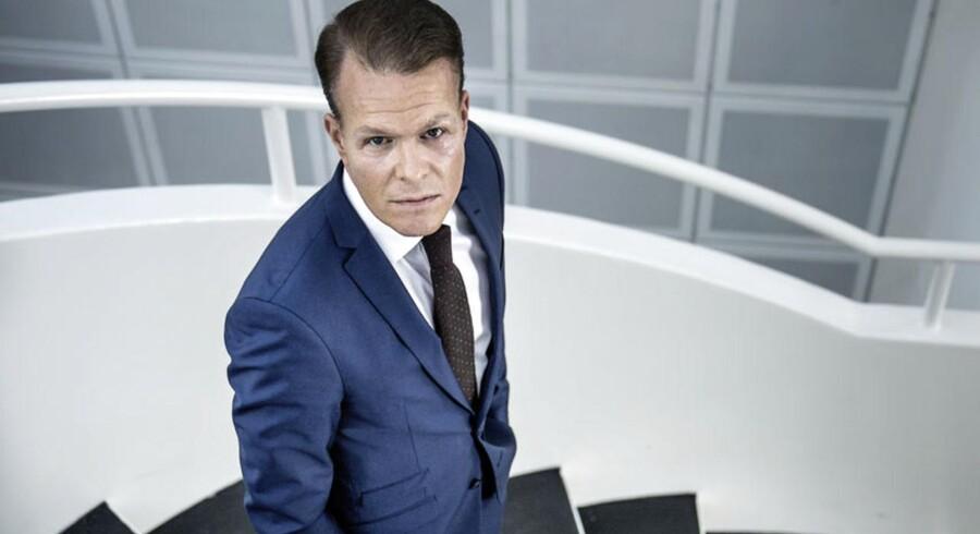 Saxo Bank har ansat Søren Kyhl som ny driftsdirektør.