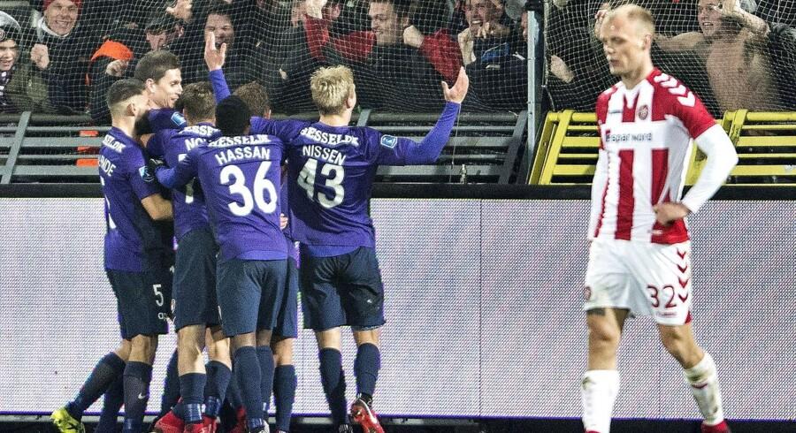 FC Midtjylland s Gustav Wikheim har scoret til 1-0 kort før tid i Alka Superliga-kampen mellem Aab og FC Midtjylland på Aalborg Portland Park, 20.november 2017. (Foto: Henning Bagger/Scanpix 2017)