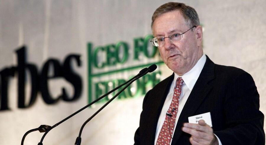 Steve Forbes har fået solgt en stor portion aktier til kinesiske investorer. Her taler han ved arrangementet, Forbes CEO Europe Forum i København i 2006.