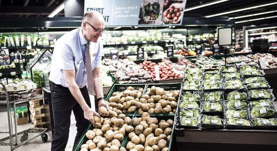 Dagrofa har lukket samtlige 103 Kiwi-forretninger i Danmark. »Vi er ikke lykkedes,« konstaterede dagligvarekæden.