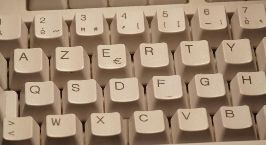 Rækkefølgen af bogstaverne er en ganske anden på et fransk tastatur, men der mangler en fast måde at anbringe dem på, så franskmændene har store problemer med at skrive hurtigt og korrekt - og det skal nu ændres. Arkivfoto: Iris/Scanpix