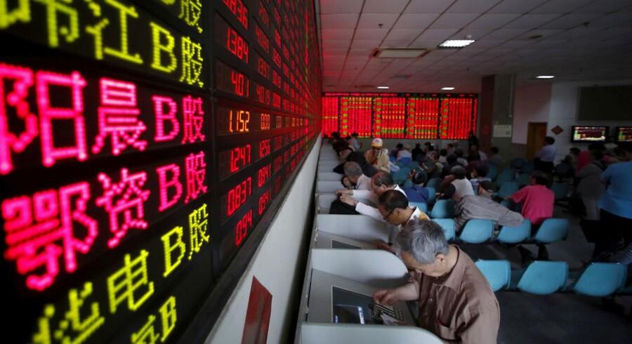 Et rygte i en tv-serie fik en kinesisk aktie til at storme frem i sådan en grad, at fondsbørsen efter tre dage lukkede for handlen med aktien. (REUTERS/Aly Song/File Photo)