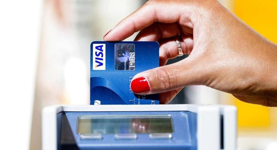 Danske Bank vil ikke blande sig i, om kontanter udfases eller ej. Det er op til forbrugerne.