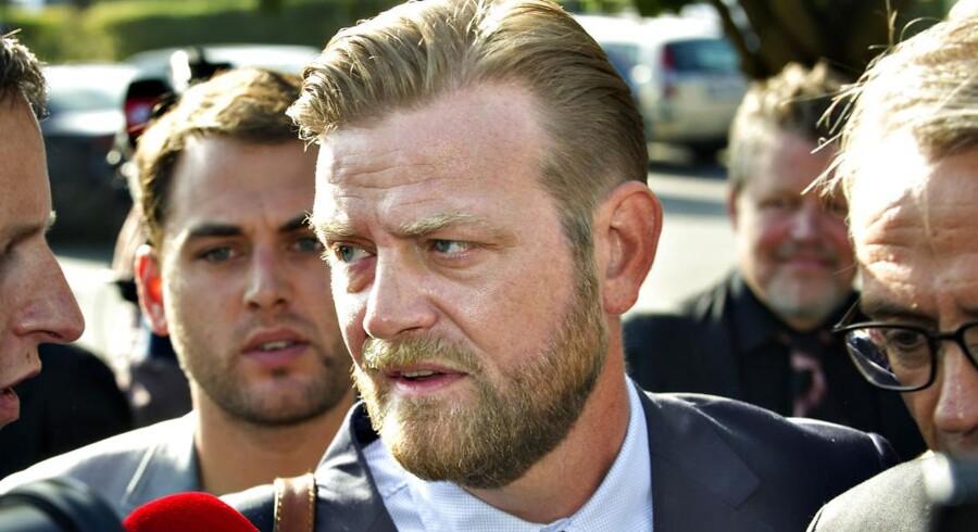 ARKIVFOTO. Peter Arnfeldt, der i snart to år har været sigtet for at lække Thorning-familiens private skatteoplysninger, hiver fredag politiet i retten.