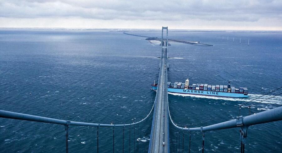 ARKIVFOTO 2014 af Mærsk containerskib der sejler under Storebæltsbroen. (Foto: Asger Ladefoged /Scanpix 2014)