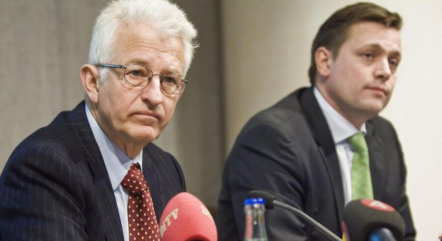 Den svenske Riksbankens vicepræsident Lars Nyberg (til venstre) og chefen for Finansiel Stabilitet Mattias Persson (REUTERS/Marc Femenia/Scanpix (SWEDEN).)