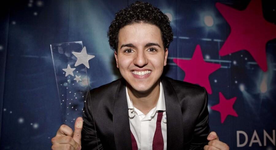Den danske Melodi Grand Prix-vinder, Anis Basim Moujahid, måtte i weekenden forklare sin etnicitet og tilhørsforhold, da han svarede på spørgsmål stillet af avisen Informations læsere. »Jeg er ikke indvandrer. Jeg er ikke indvandret til noget land,« sagde han.