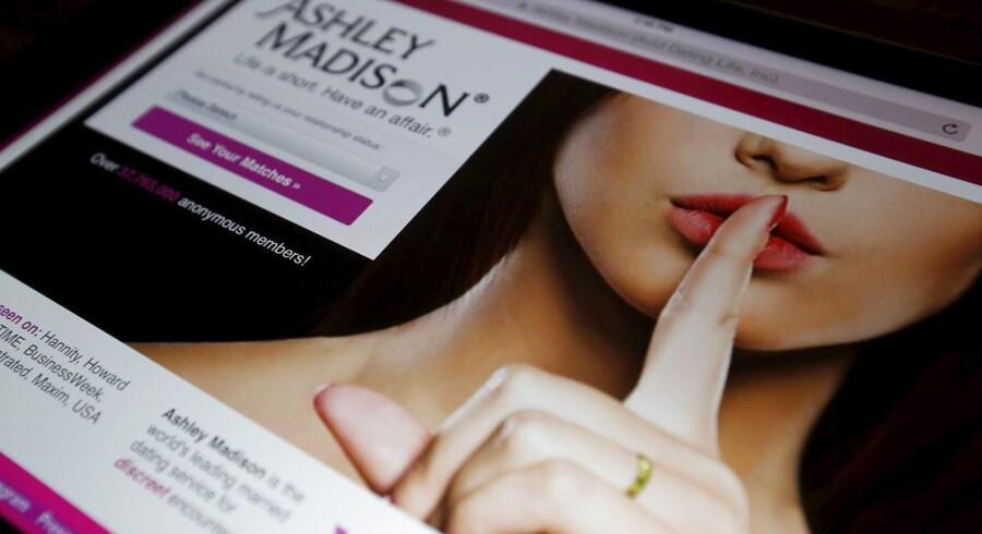 Fra at være ekspert i diskresion og hemmelige stævnemøder risikerer Ashley Madision nu at skulle betale sine brugere erstatning, for at deres personlige oplysninger flyder frit rundt på nettet. Foto: Chris Wattie, Reuters