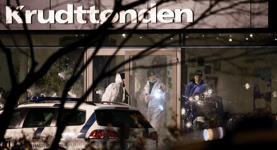 Mændene, der er anklaget for at have hjulpet med terrorangrebet i København, skal fortsat sidde varetægtsfængslet.