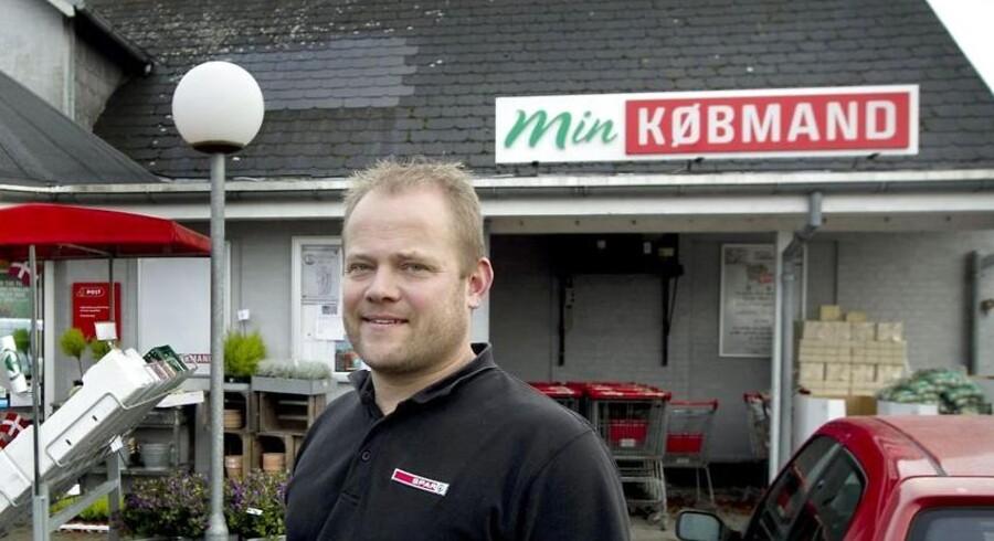 Spar har valgt at ændre de små købmænds butiksnavn og øge markedsføringen for at stå stærkere i den stigende konkurrence, der er i branchen - her Købmand Bjørn i Borbjerg ved Holstebro.