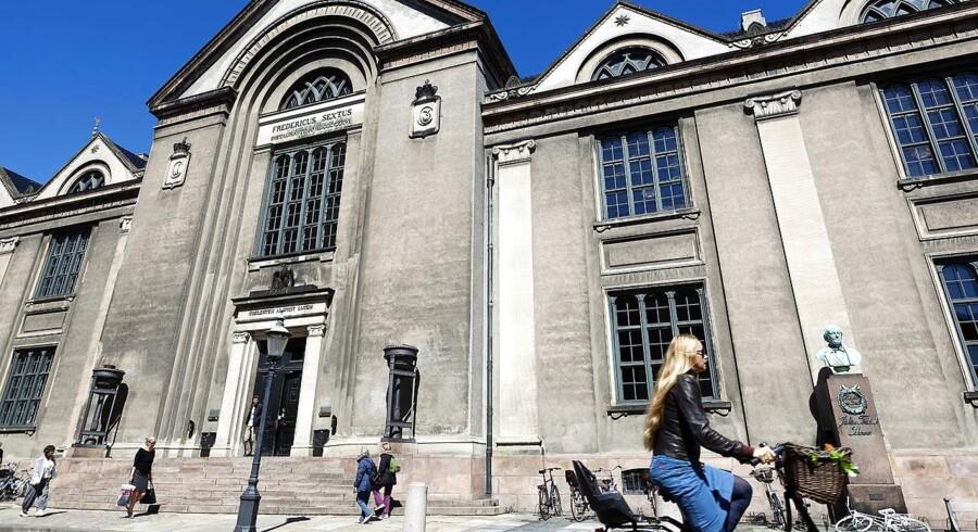 Københavns Universitet vil have sin store pengetank ud at arbejde på aktiemarkedet.