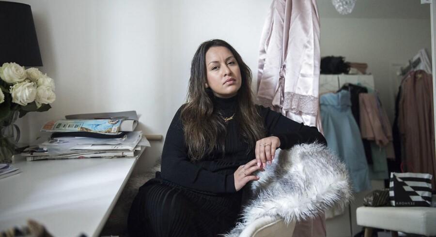 »Det, der kendertegner det danske folk rigtig meget, og som det danske folk gør en stor dyd ud af, er, at man ikke må være ekstravagant, at man ikke må være for pyntet,« siger Geeti Amiri. Foto: Anne Bæk.