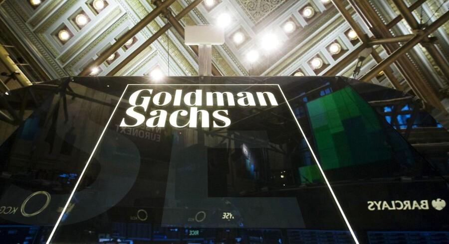 Finanskæmpen Goldman Sachs holder kortene tæt til kroppen om den fremtidige børsnotering af energiselskabet DONG Energy. Børsintroduktionen er et »naturligt næste skridt,« siger direktør fra Goldman Sachs.