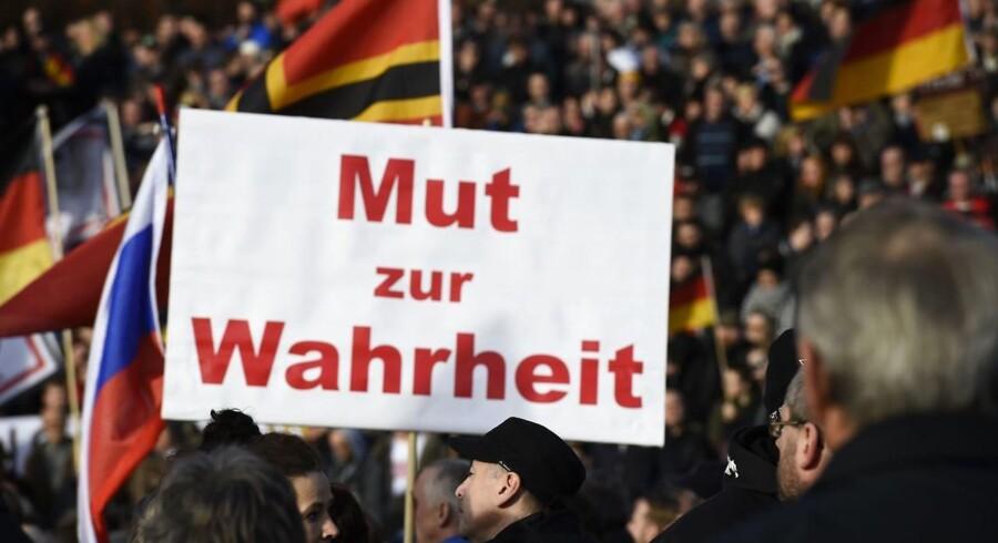 Tilhængere af Pegida i Dresden i dag.
