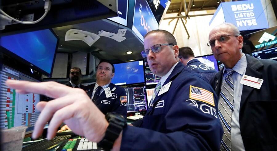 Arkivfoto. De asiatiske aktieinvestorer er i hopla fredag morgen, hvor torsdagens rekorder på Wall Street bliver flugt op med blandt andet et brud på indeks 20.000 i det japanske Nikkei-indeks.