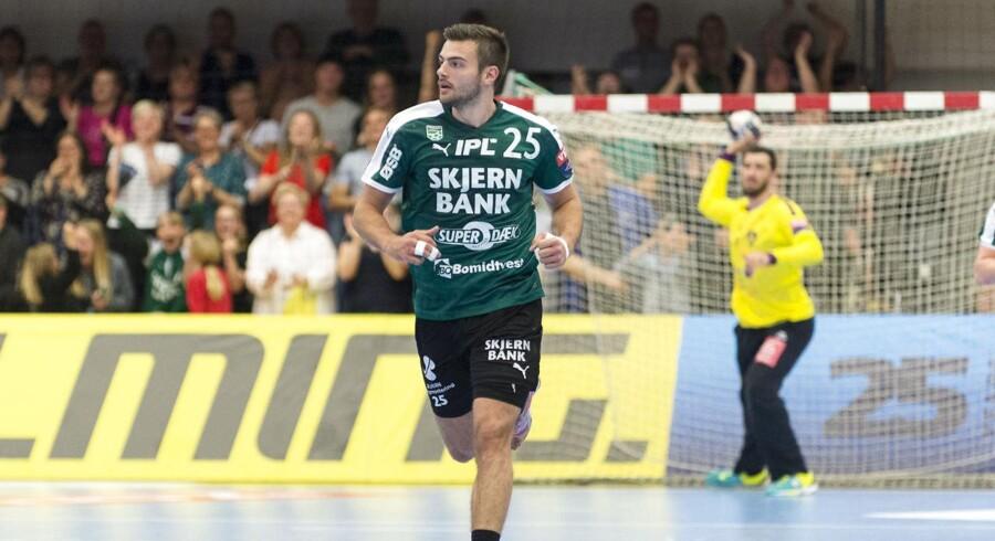 Eivind Tangen bragte onsdag Skjern i DM-semifinalerne med en sen scoring mod Århus Håndbold.