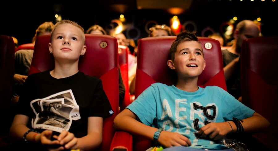 Aftaler, der giver brancheforeninger veto mod rabatter i biografer, skal ophæves, slår ny afgørelse fast.