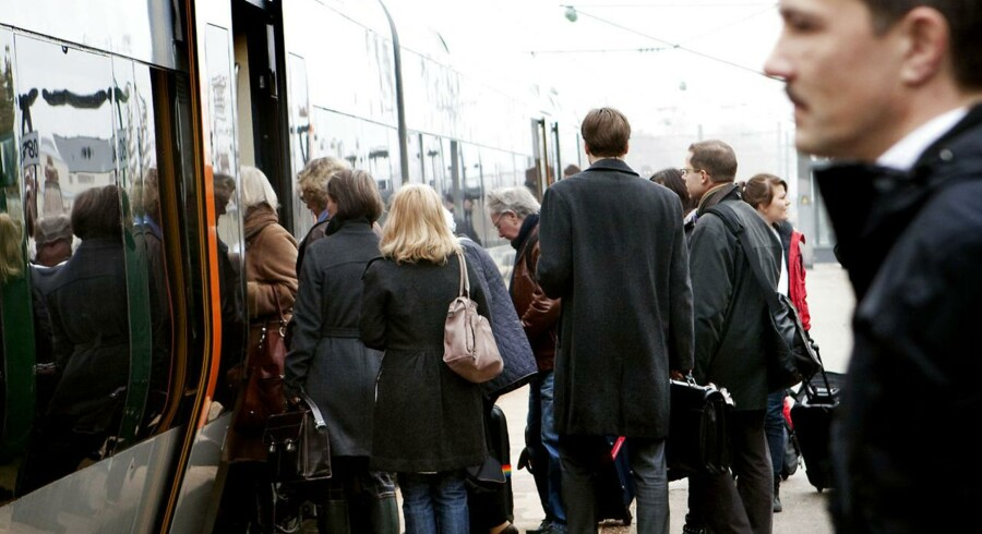 Flere danskere er begyndt at tage bilen, bussen eller toget ud af byen for at gå på arbejde