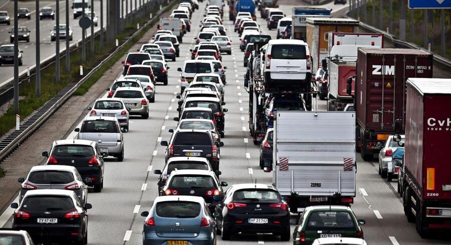 De danske dieselbilister kan se frem til højere afgifter næste år, når udligningsafgiften stiger. Arkivfoto.