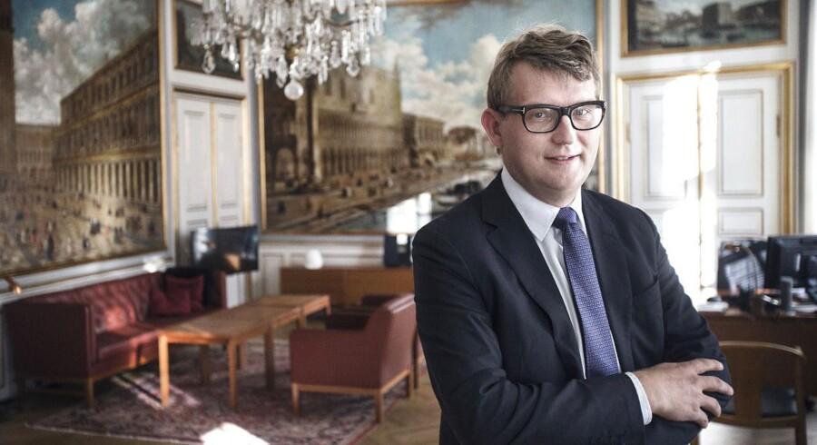 Erhvervs- og vækstminister, Troels Lund Poulsen (V), vil finansiere lettelser i selskabsskatten med midler fra erhvervsstøtten.