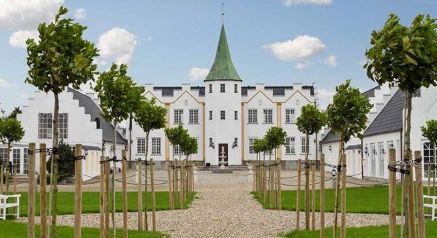 Hidtil har slottet været brugt til udlejning - i alt er der 17 værelser med eget badeværelse og to indendørs pool-områder, der er et kapitel helt for sig selv. Foto: Lilienhoff
