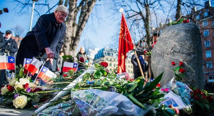 28. februar er det 32 år siden, at den svenske statsminister Olof Palme blev skudt og dræbt på åben gade. Her mindes folk ham for to år siden,