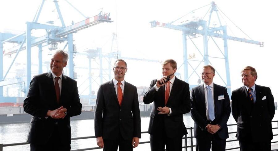 Den store vækst i verdens købedygtige middelklasse kommer til at smitte kraftigt af på APM Terminals' forretning, vurderer selskabets adm. direktør Kim Fejfer (nr. 2 fra venstre).