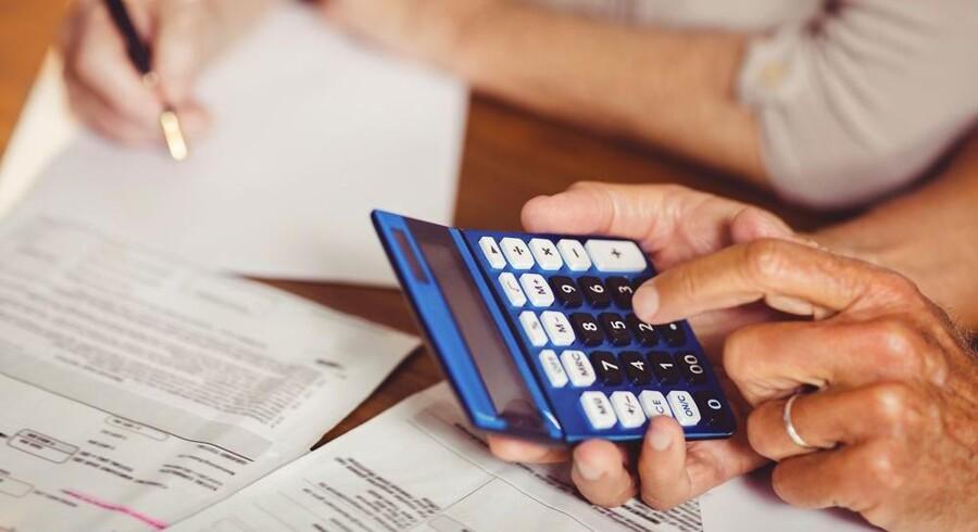 Der findes flere forskellige budget-apps, der på en nem og simpel måde hjælper dig med at holde styr på udgifter og forbrug. Og så er der desuden et væld af apps, der giver dig kontante besparelser i hverdagen.