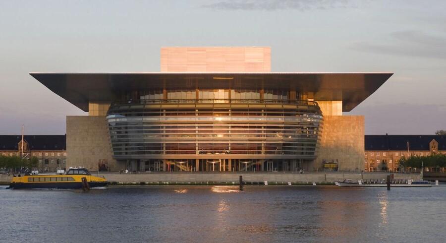 Byggefirmaet Pihl & Søn, der opførte Operaen og Skuespilhuset ved havnefronten i København samt Den Blå Planet og FN-Byen i Nordhavn, har indgivet konkursbegæring.