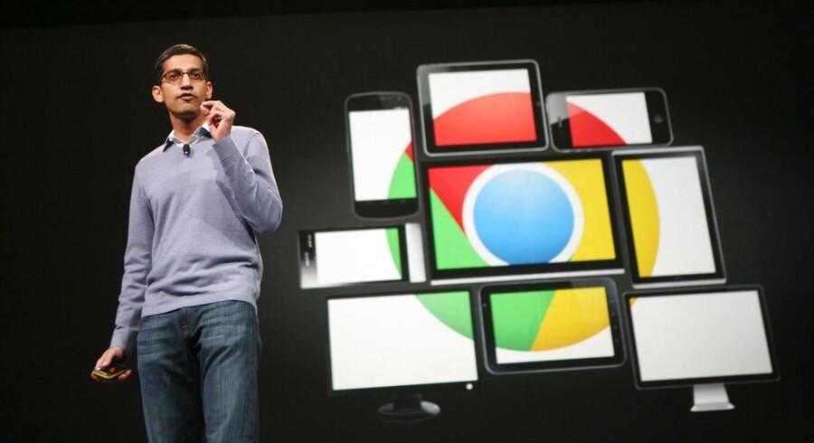 Sundar Pichai, som her ses på scenen for to år siden, overtager nu styringen af en stor og central del af alle Googles produkter. Arkivfoto: Kimihiro Hoshino, AFP/Scanpix