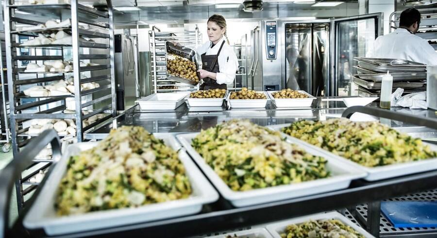 Kom med inden for i Meyers nye storkøkken, Danmarks største.