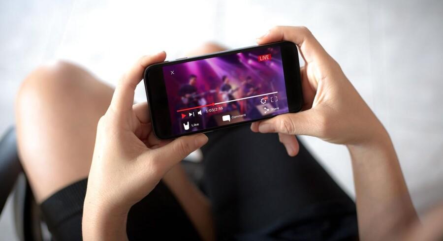 »Jeg kan se, at der er en kolossal generationsforskel på unges og ældres medieforbrug. De gamle medier bliver trængt tilbage, men til gengæld er der en stor vækst på de nye digitale medier, og det er en udvikling, vi ikke kan lukke øjnene for.« Foto: Iris.