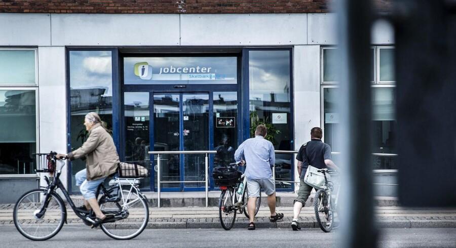 Jobomsætningen er størst i København og omegnskommuner omkring hovedstaden, hvor erhvervsvirksomheder traditionelt holder til, så som Herlev, Rødovre, Glostrup, Ballerup og Hvidovre. Men også i Jylland er der gang i jobomsætningen, især i trekantsområdet, hvor Horsens, Fredericia og Vejle oplever stor jobomsætning.