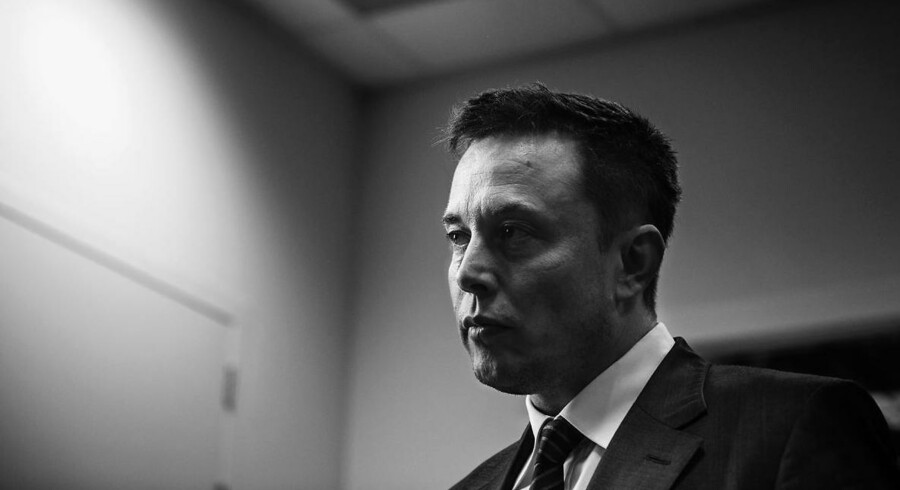 Stifter og direktør for Tesla Motors, Elon Musk, mener VW skal gå forrest i udviklingen af bæredygtig transport, hvis de vil genvinde forbrugernes tillid efter dieselskandalen.
