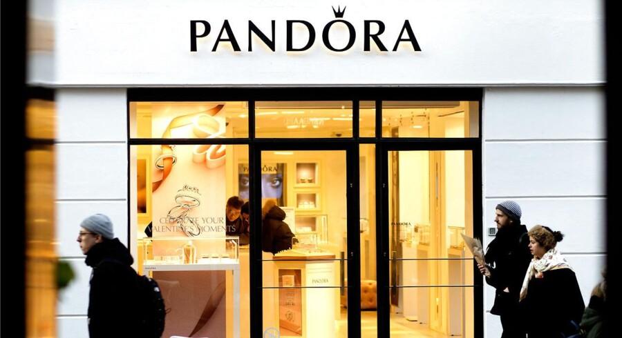 Signet Jewelers, der forhandler danske Pandoras smykker via den amerikanske smykkekæde Jared, kom ud af første kvartal i år med et justeret resultat per aktie på 1,95 dollar mod analytikernes estimat på 1,94 dollar ifølge Bloomberg News. (Foto: Nils Meilvang/Scanpix 2016)